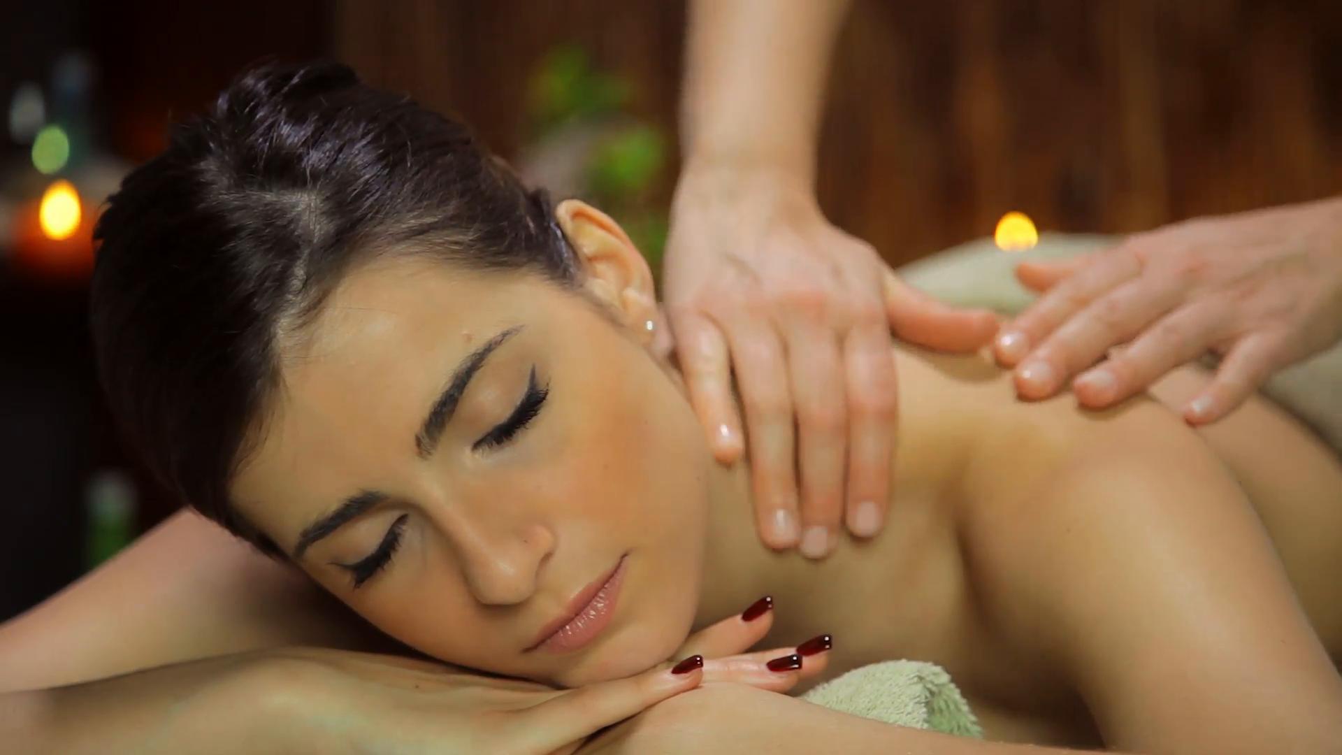 beautiful-woman-relaxing-in-spa-getting-massage-happy_romkkct4__F0012